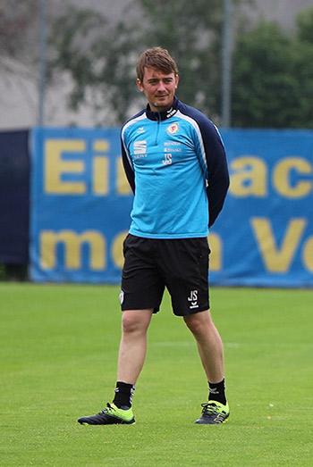 Jonas Stephan ist in seinem zweiten Jahr als Co Trainer bei Eintracht Braunschweig